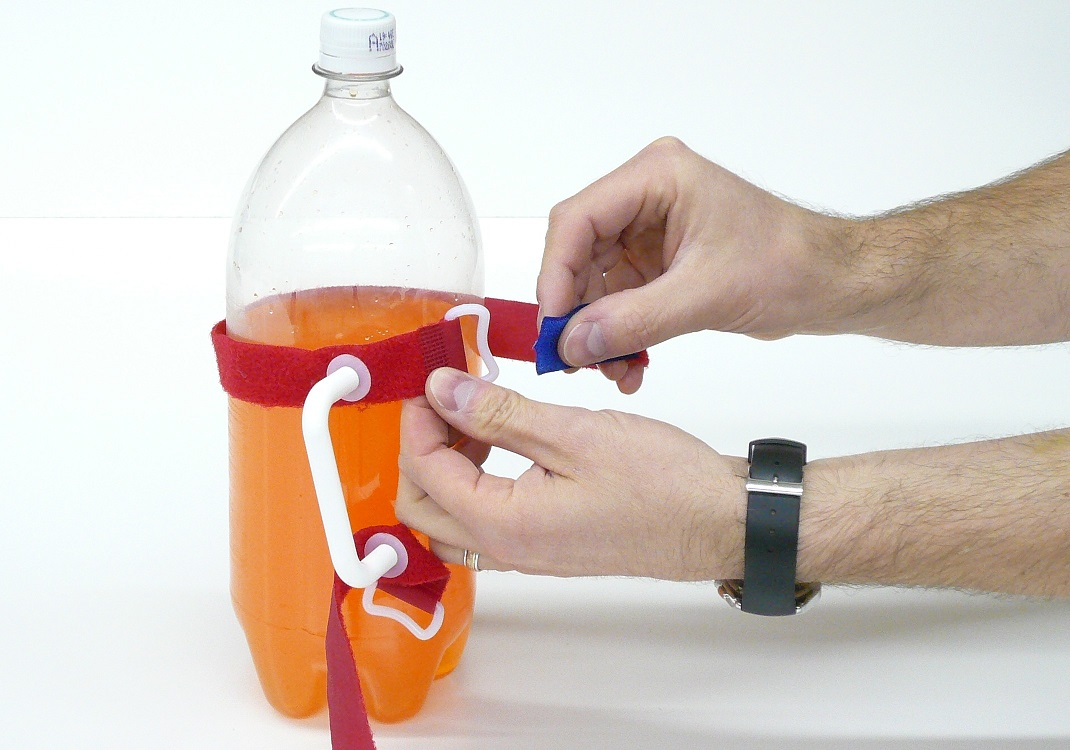 HandyPitcher turns any bottle into a pitcher